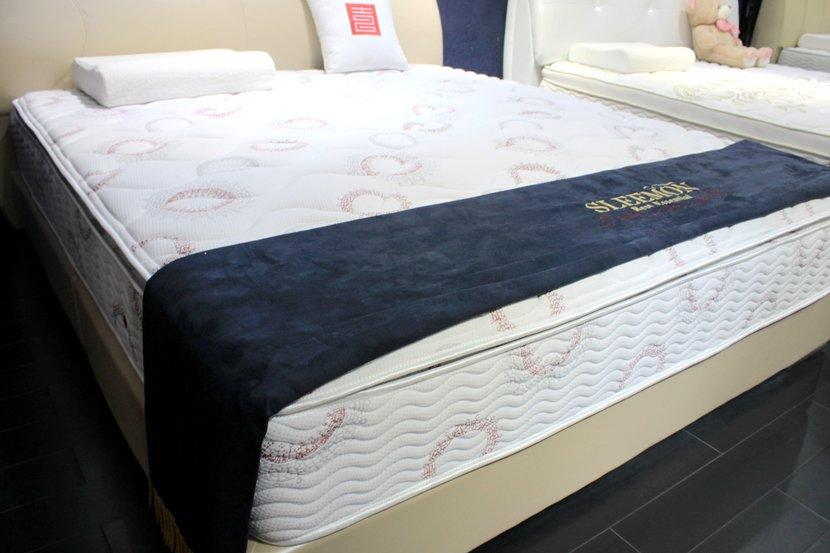 喜临门双人床+床垫整体特价优惠8659元