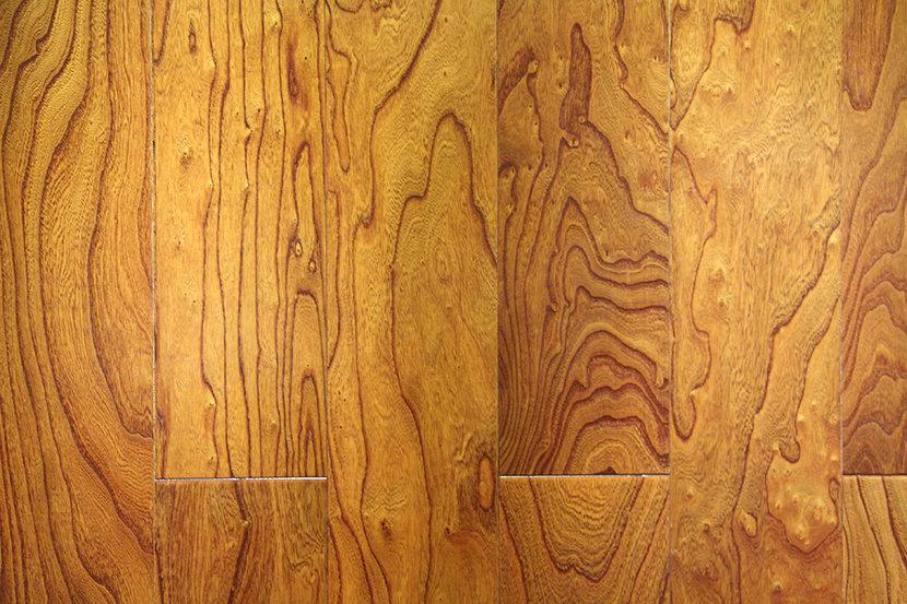 圣象地板多层榆木实木地板 特价285元