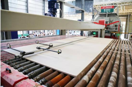 """蒙娜丽莎3.6m超大岩板:大家居时代就要玩这么""""大""""!"""
