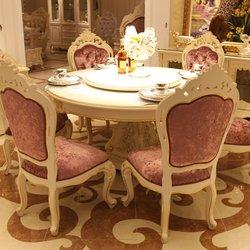 鸿亚博伦旗下品牌  宫廷名匠 582款餐桌椅(白加金)